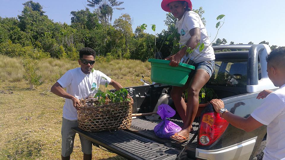 Reboisement avec le garde forestier de Mahanoro
